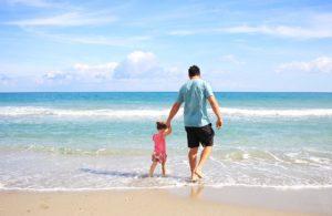 Padre Figlia Beach Famiglia Papà Soleggiato